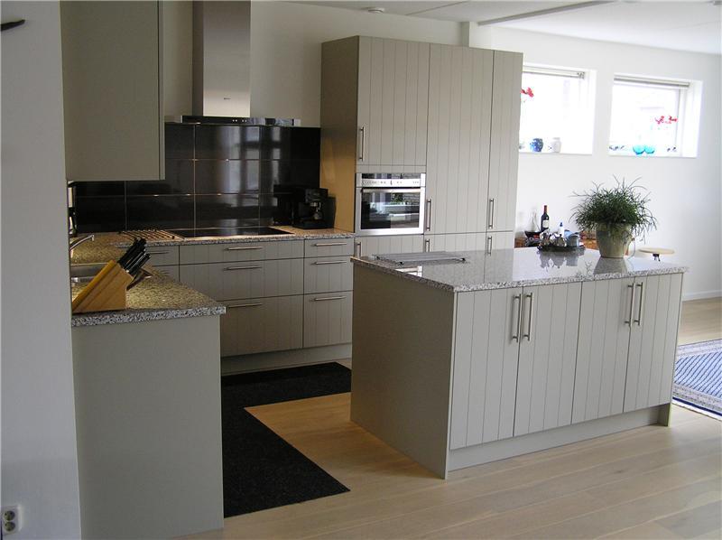 Granieten werkblad keuken greeploze keuken wit met granieten werkblad en vrijstaande - Granieten werkblad keuken ...